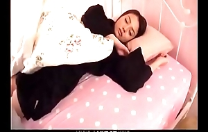 Sweet vibrator play in the bedroom with hot Mao Miyabi - From JAVz.se