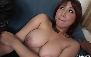 Asian slut has a pair be fitting of dicks to blow on