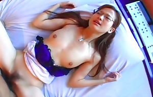 Sweet amateur babe gets the brush pussy toyed and fucked