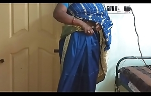 des indian horny big Chief tamil telugu kannada malayalam hindi wed vanitha wearing blue impulse saree  showing big soul and shaved pussy shake hard soul shake nip rubbing pussy masturbation