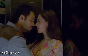 Pakistani actress kissing scene