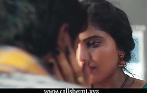 Husband se bareshan sexy bhabhi nawkar se chudi